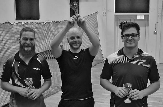 Schochwitz. Bei hochsommerlichen Temperaturen ist das erste Turnier des Jahres in der Tischtennis-Hochburg Schochwitz über die Bühne gegangen. Am Ende eines schweißtreibenden Tages hat sich die Mannschaft...